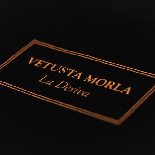 Logo La Deriva – Chica